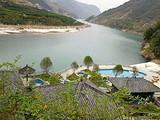 宜昌长阳盐池温泉,清江河畔纯天然温泉,四季均可泡温泉