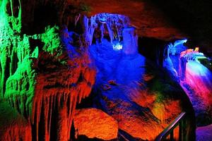 萤光湖 沂水地下大峡谷 蒙山天然氧吧 纯玩 二日游