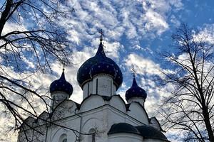 重庆至俄罗斯莫斯科圣彼得堡谢镇红场冬宫克里姆林宫双飞9日游