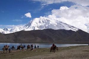 北京到新疆旅游团攻略 卡拉库里湖艾提尕尔清真寺香妃墓卧飞八日