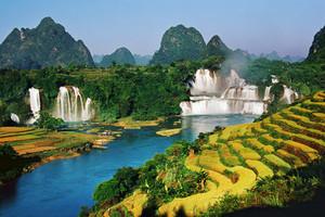 散客天天发:德天跨国瀑布、通灵大峡谷,巴马百魔洞百鸟岩三日游