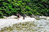 武鸣英俊村大峡谷泡水一日游