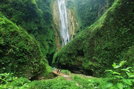散客天天发:德天瀑布、古龙山大峡谷精华游二天游