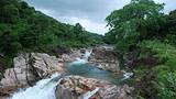 东兴屏峰雨林公园石门谷瀑布