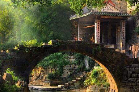 5月:州黄姚古镇、姑婆山、玉石林、爱莲湖、大钟山三日游