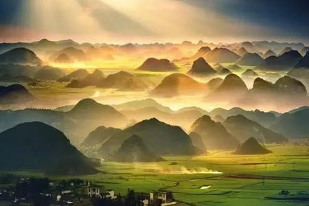 南宁出发云南罗平万亩红高粱、九龙瀑布群、那色峰海纯摄影三日