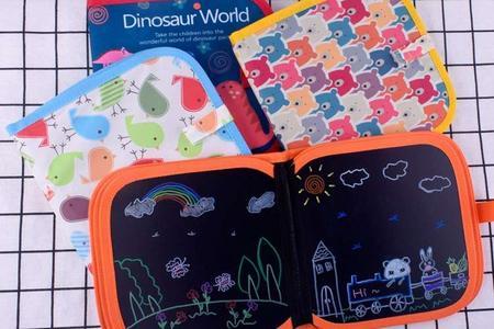 儿童可擦拭无痕绘画本黑板画册配12支笔