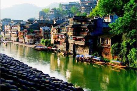 【张家界遇上铂尔曼】郑州到张家界、玻璃栈道、凤凰古城5日游