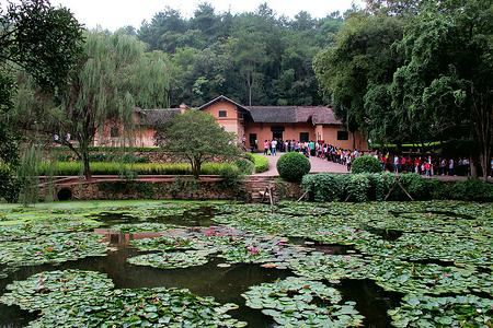 郑州到长沙、韶山、张家界、凤凰古城空调双卧六日品质游