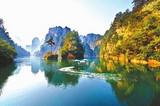 寒假旅游城市推荐  青岛到湖南张家界双飞六日游