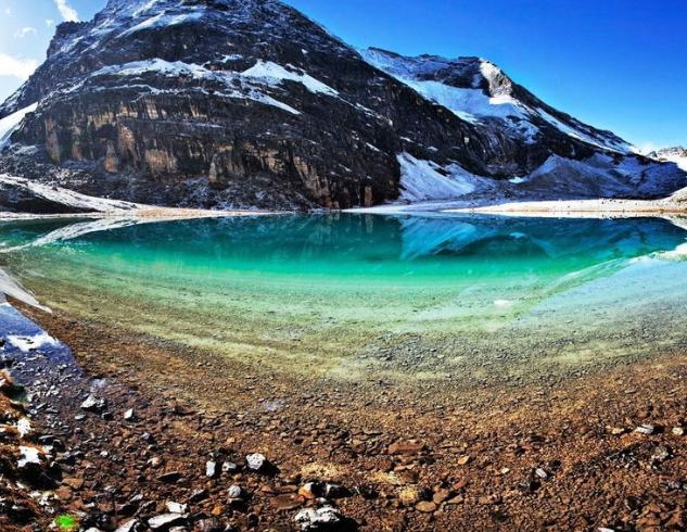 旅游攻略 > 正文       稻城 — 亚丁风景区位于四川甘孜藏族自治州