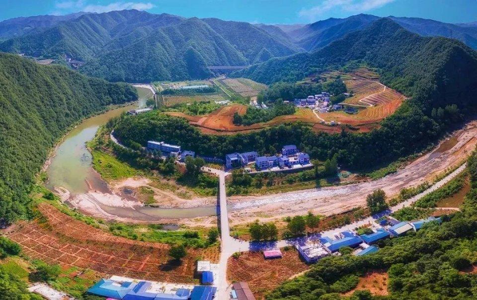 栾川重渡沟北乡村被河南省旅游局认定为首批乡村旅游特色村!