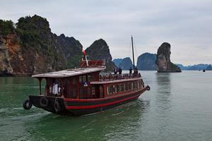 東興到越南下龍灣、迷宮仙境、天堂島、月亮湖三日游品質團