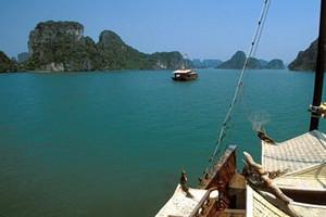 南寧到越南下龍灣、迷宮仙境、月亮湖、天堂島3星純玩三日游
