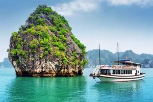 南宁到越南下龙湾、天堂岛、月亮湖纯玩三日游住五星酒店送流量卡