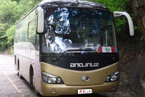 申龙33座车