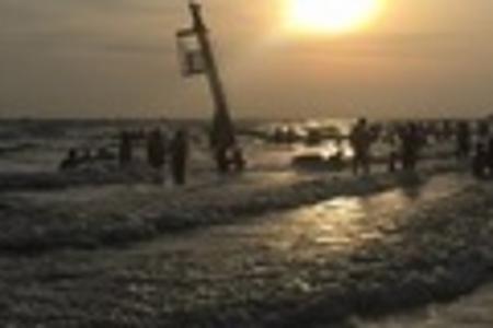 北海侨港邮轮观光,沙滩亲子拓展,大墩海亲子赶海纯玩二日游