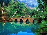 【贵州双高八日游】<黄果树瀑布-马岭河-万峰林-梵净山>