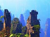 [张家界双飞五日游]<森林公园-黄龙洞-玻璃栈道-凤凰古城>