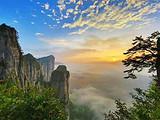 双飞5日游- 大峡谷七星寨、云龙河地缝、清江风景区