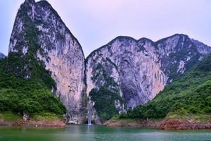 建始野三峡+黄鹤桥峰林一日游(含门票、往返交通、导游服务)