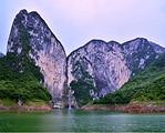 建始野三峽+黃鶴橋峰林一日游(含門票、往返交通、導游服務)