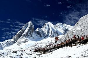 南宁国旅到玉龙雪山的旅游团|玉龙雪山双飞七日游