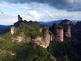 世界自然遗产丹霞山、南华寺、马坝狮子岩、风采楼两天游