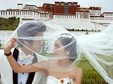 西藏婚纱照相旅游-布达拉宫+八廓街+药王山婚纱摄影套餐