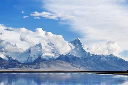 佳木斯、珍宝岛、牡丹江、渤海国、镜泊湖、长白山北坡双卧8日