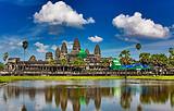 东兴、越南下龙、河内、胡志明-柬埔寨金边、吴哥双飞深度7日游