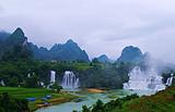 德天跨国瀑布、通灵大峡谷+巴马3天2晚游(连线)
