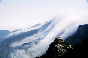 廬山二日游:錦繡谷+美廬+含鄱口+廬山雙瀑+住廬山山頂觀云海