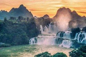 昆明出发到广西旅游_百鸟岩、百魔洞、长寿村、仁寿山庄4天游