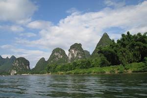 桂林山水精靈夢廈航早班機往返四天