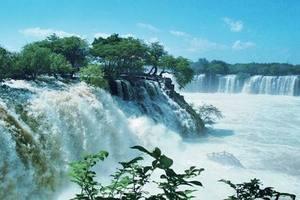 贵州黄果树瀑布、西江千户苗寨、双龙峡谷、玻璃栈道双飞4日