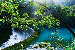 贵州黄果树瀑布、西江千户苗寨、荔波大小七孔5日游