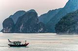南宁到越南下龙湾、迷宫仙境、月亮湖、天堂岛3星纯玩三日游