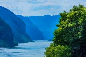 武汉乘动车到宜昌三峡大坝1日游:船游三峡、观三峡大坝