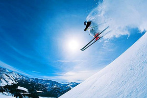 嵩山滑雪+风洞表演+卢崖瀑布一日游