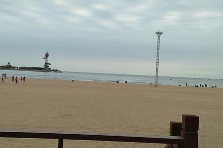 秦皇岛海上海酒店客人出发到承德2天游览