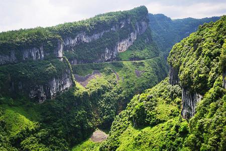 桂林出发 重庆 仙女山 天坑 地缝 双动5日游