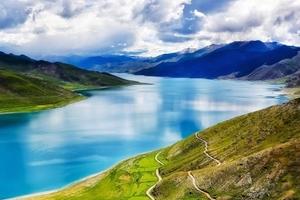 西藏旅游 拉萨林芝羊湖日喀则纳木措双飞9日游