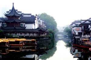 华东六市+上海迪士尼小镇+三大水乡乌镇、周庄、南浔双飞6日