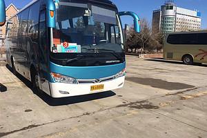 金龙35座旅游车