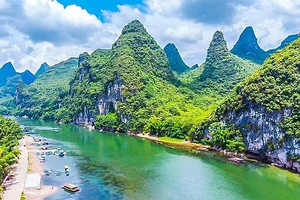 北海去桂林旅游 全景大漓江 世外桃源 西街 古东瀑布