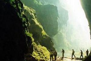 南宁到巴马旅游线路与报价 巴马百鸟岩、百魔洞、长寿村2日游