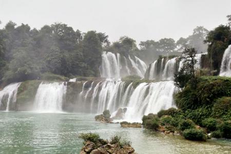 南宁到德天瀑布+通灵大峡谷+越南下龙湾+河内六天五晚品质游
