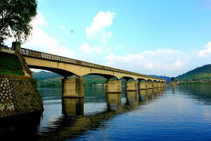 丹东到河口坐游船观朝鲜,登河口断桥汽车跟团一日游